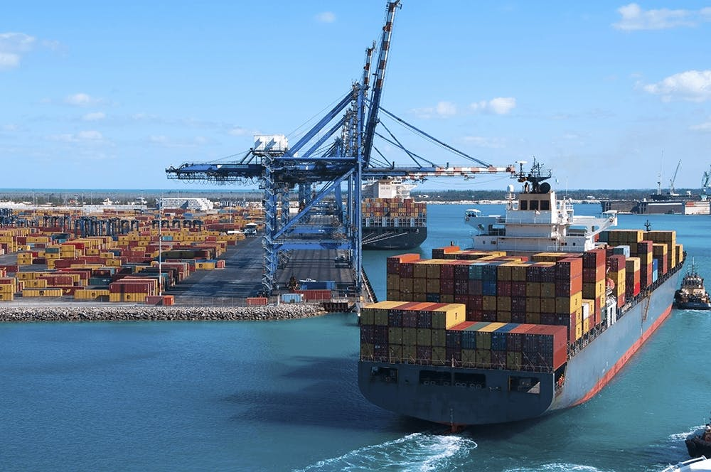 Docker containers coming into port
